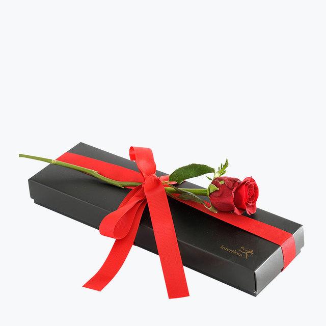 Bilde av  Rød rose med Luksuskonfekt